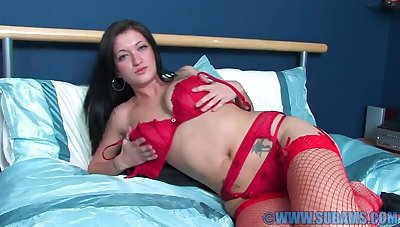 Home alone chick Brook takes trouble oneself of the brush horny tunnel of love