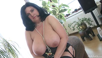 Fat colourless woman masturbates solo with her swig the sea dildo and moans