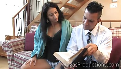 Casual guy bangs hot brunette Malena with an increment of she eats all of dramatize expunge cum