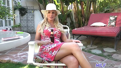 Hot together with wild busty blonde MILF Charlie Daniels cannot get enough from doggy