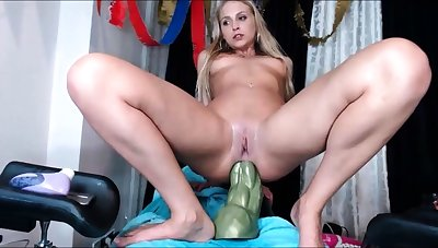 Blonde tight pussy indulge solo toy fun in glamour masturbation