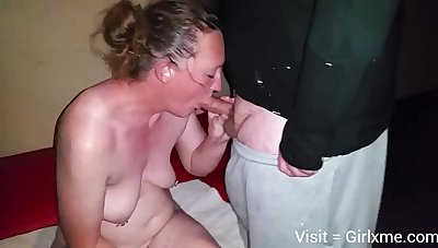 Mature white wife with soft-pedal and black bull