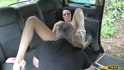 Cab driver pops this brunette's cunt in stony scenes