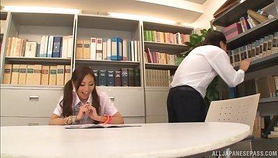 Madoka Hitomi takes proper usage of her boyfriend's hairy bushwa