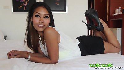 A Thai sex adventure with a cute looking enchantress
