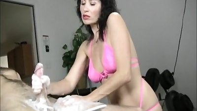 Amateur video of naughty Tatiana stroking his large the greater part