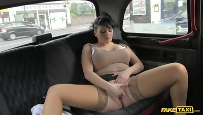 Smoking Hot Cougar Lets Her Massive Tits Loose For everyone Over Cabbie's Dick